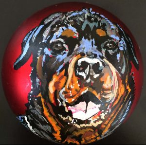 Rottweiler. 2017 / High Glossy Alu Chromolux Print of handpainted Rottweiler-Portrait on bauble / 100x100cm